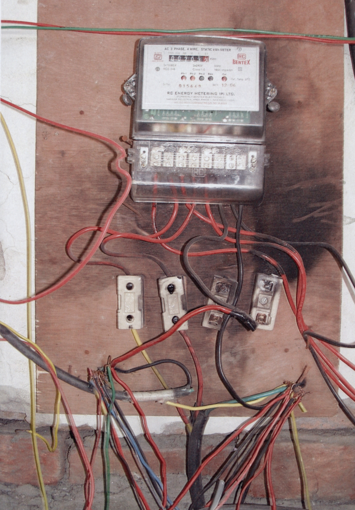world s worst wiring the top three most shocking electrical rh eandt theiet org Vintage Electrical Wiring Faulty Wiring